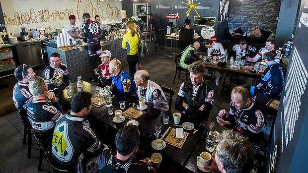 Diamond Cycle Tours Friday Bunch enjoying a coffee